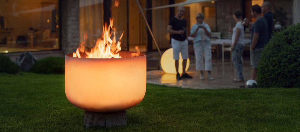 Q-Flame Feuerschale aus Glas für den Außenbereich und Garten
